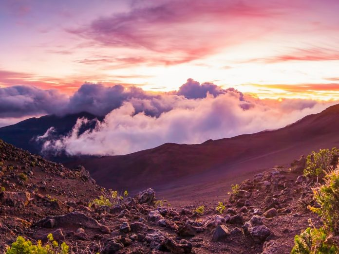 First light on a summit on Haleakala | Maui Volcano Tour