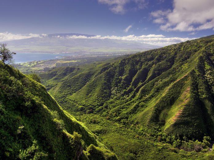 Waihee Ridge Trail and view of Kahului and Haleakala | Maui Scenic Drives